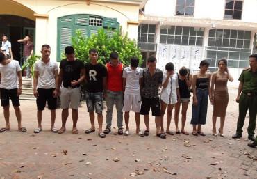 Hưng Yên: Bắt quả tang 24 nam, nữ phê ma túy đang 'bay lắc' trong quán karaoke